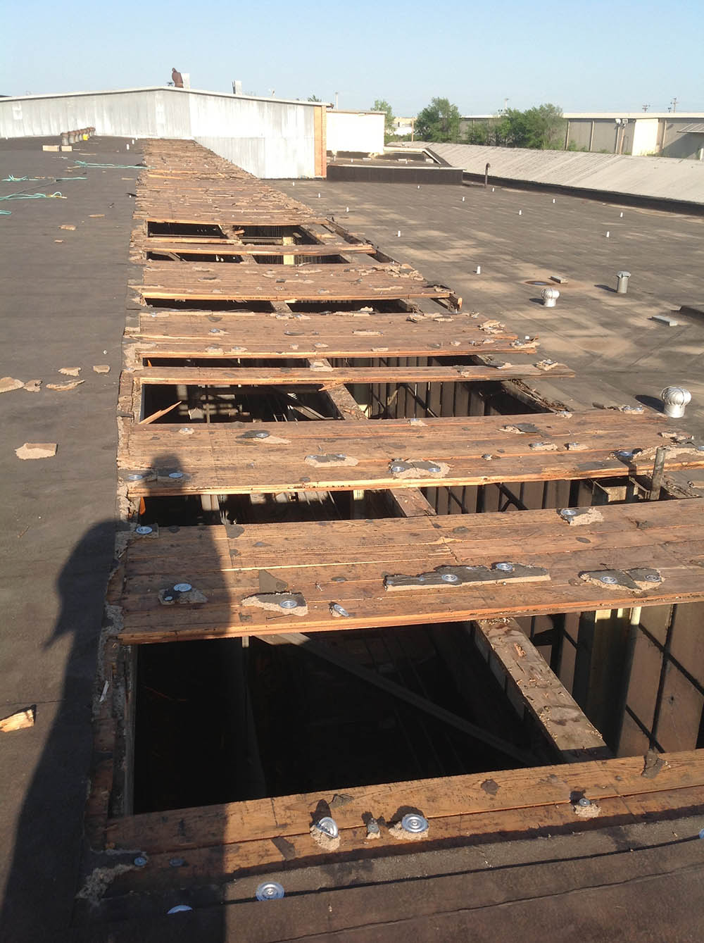 Commercial Roof Repair : Commercial roofing services in